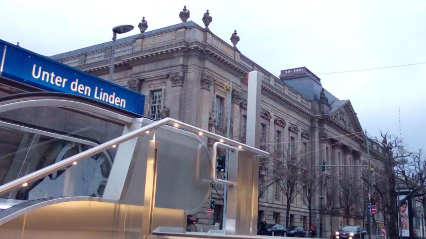 U-Bahn 5, Unter den Linden, Staatsbibliothek