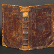 Einband von 4° Be 308-1. - Staatsbibliothek zu Berlin-PK - Carola Seifert - Lizenz CC-BY-NC-SA 3.0