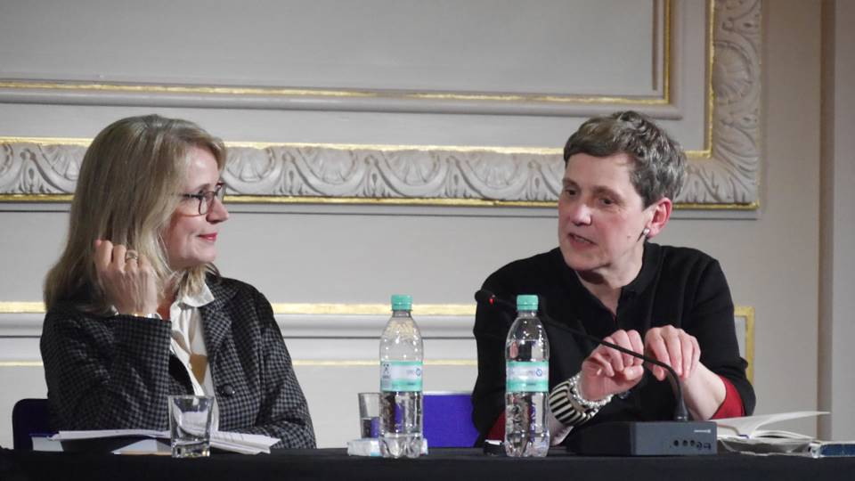 Jutta Eming und Felicitas Hoppe im Gespräch. - Staatsbibliothek zu Berlin-PK - Sigrun Putjenter - Lizenz CC-BY-NC-SA 3.0