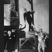 """Szenenfoto aus der Uraufführung der """"Dreigroschenoper"""" am Theater am Schiffbauerdamm © bpk / Willi Saeger"""