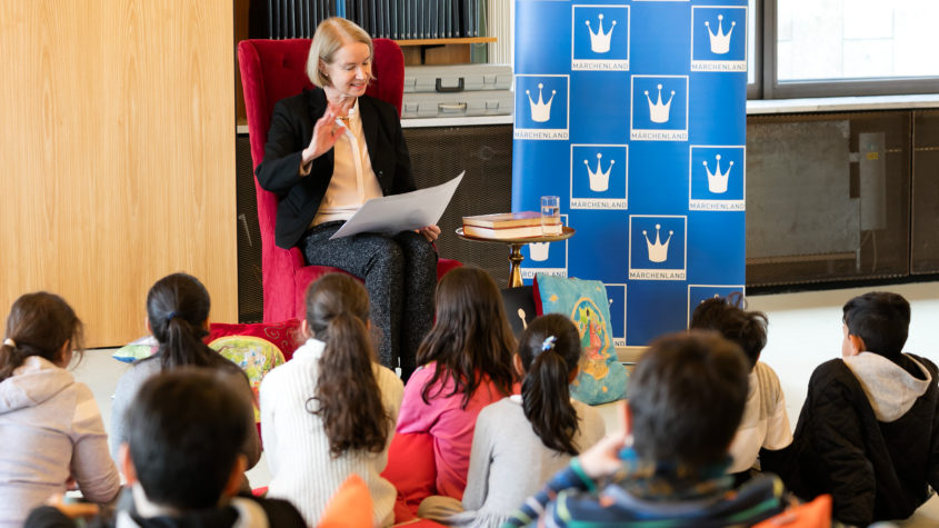 Märchenlesung von Barbara Schneider-Kempf am16.11.16; Foto: Carola Seifert SBB-PK, CC-BY-NC-SA