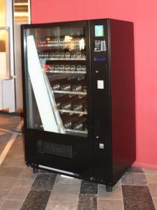 Taschenautomat im Foyer des Hauses Potsdamer Straße