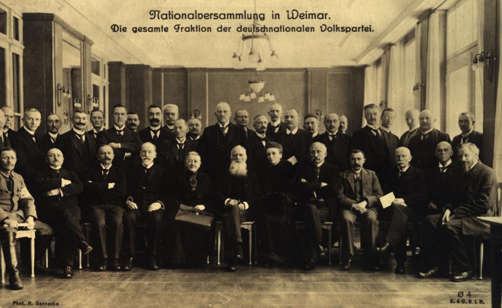 Nationalversammlung in Weimar: Die Fraktion der DNVP.; Copyright: bpk / Robert Sennecke