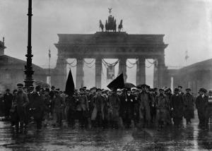 Demonstrations-Sonntag Unter den Linden, 8. Dezember 1918
