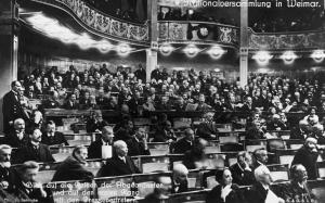 Erste Sitzung der Nationalversammlung in Weimar