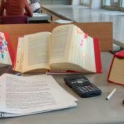 Private Bücher mit Klebezetteln / Staatsbibliothek zu Berlin - PK / CC NC-BY-SA